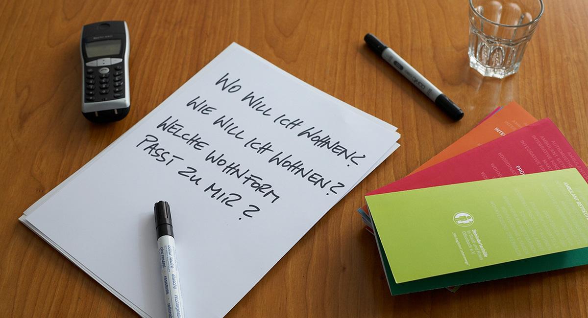 aufgeschriebene Fragen zum Wohnen